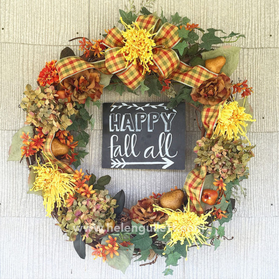 Re-Decorate The Old Fall Wreath by Helen Gullett | www.helengullett.com #diy #fallwreath #creatingjoyfully